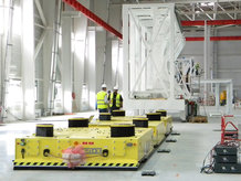 Handling of airplane structural part [keel beam] due to a automated guided vehicle