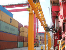 Electrification of Container Blocks with the Conductix-Wampfler E-RTG Drive-In P solution