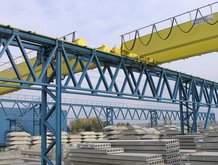 2 Process-Overhead Cranes in a concrete factory
